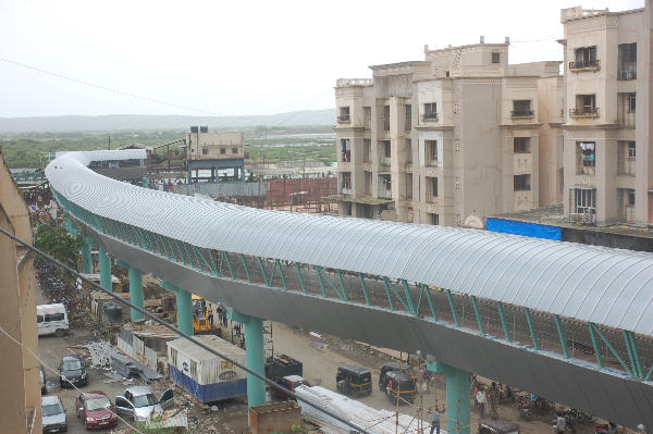 The Mira Road skywalk. Photo via Accommodation Times.