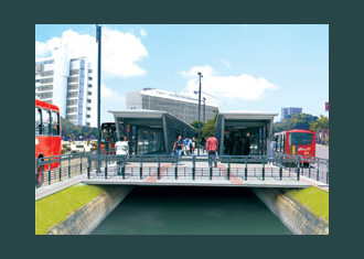 Artist's rendition of the East-West BRT System that Recife is planning to complete for the World Cup. Image via portaldatransparencia.gov.br.