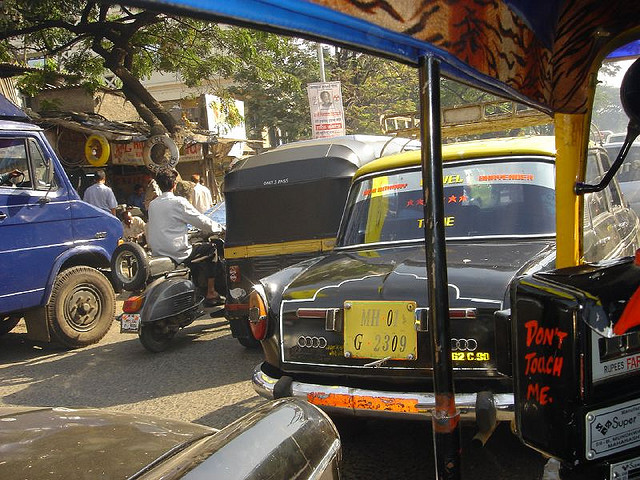 Traffic on the streets of Mumbai. Photo courtesy of https://www.flickr.com/photos/brajeshwar/