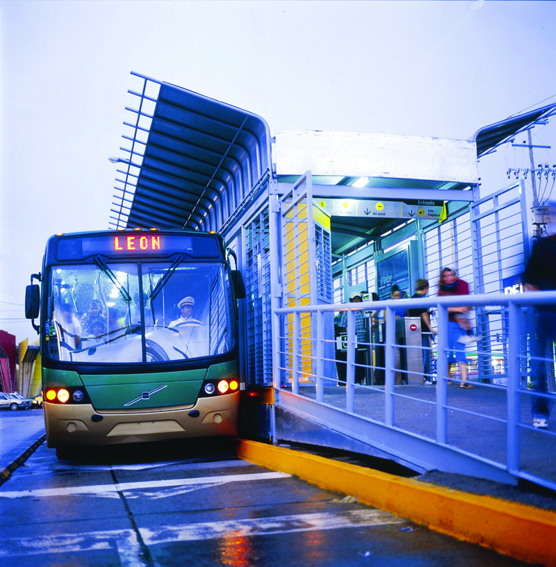Optibus BRT station in Leon, Mexico. Photo by CTS-México.