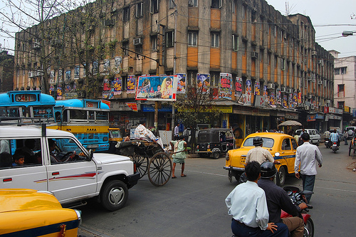 The chaotic streets of Kolkata. Photo by Frisse82