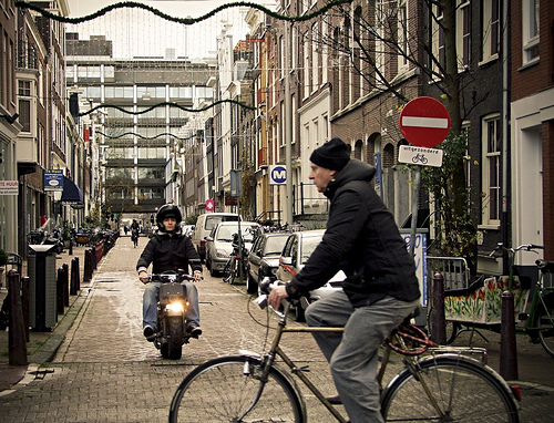 The majority of trips in Amsterdam are made by non-motorized modes. Photo by Kimberly Jones.