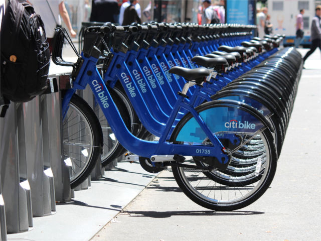 Citi Bike, America's largest bike-sharing system opened in New York City on Monday. Photo by shinya.