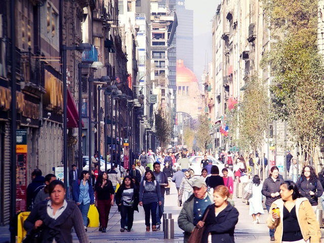 Mixed-use development combined with pedestrianization on Mexico City's Calle Madero promotes sustainable, prosperous communities. Photo by Julius Reque/Flickr.