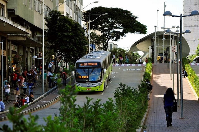 Belo Horizonte's MOVE bus rapid transit (BRT) project has spurred recent refurbishments to the city center. Photo by Mariana Gil/EMBARQ Brazil.
