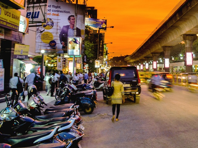 India's new 'smart' cities should not be evaluated by their use of technology, rather by their ability to solve the country's persistent urban challenges. Photo by Sandeep Shande/Flickr.